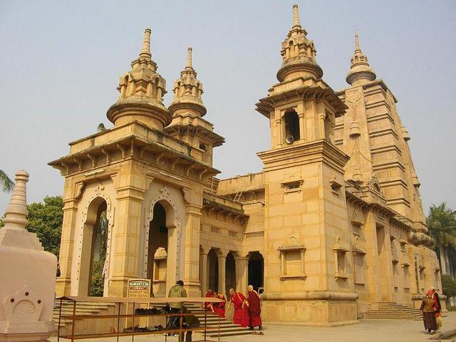 buddhist places in varanasi